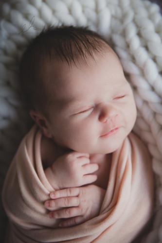 Vauvakuvaus Emma Huttu